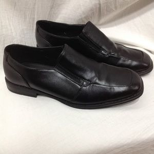 Boy's size 6 Med SONOMA dress shoes